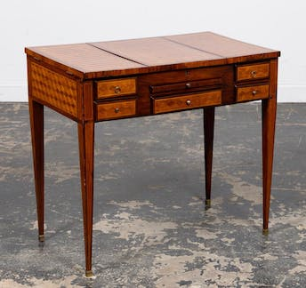 E. 20TH C. FRENCH PARQUETRY INLAID DRESSING TABLE_50297a_8d8a2987f14ea9a_lg.jpeg