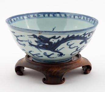 CHINESE BLUE AND WHITE PORCELAIN BOWL ON STAND_64762a_8d8a82a0b45cce7_lg.jpeg